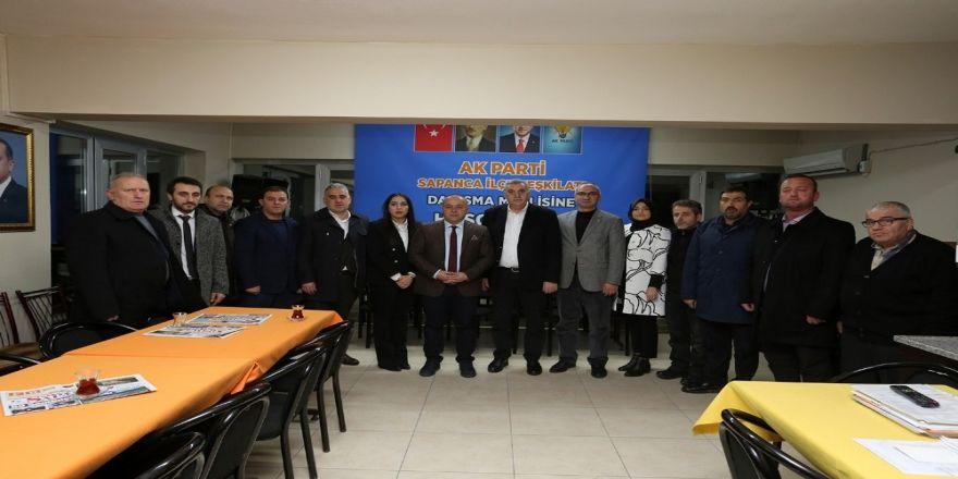 AK Parti İlçe Teşkilatıyla toplantıda bir araya geldi