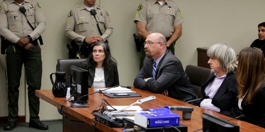 Çocuklarına işkence yaptıkları iddia edilen çift, suçlamaları reddetti