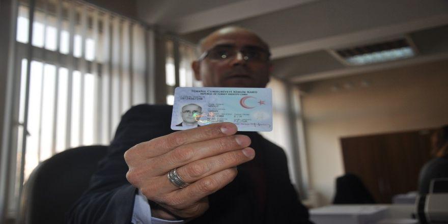 İnegöl'de 49 bin kişi yeni kimliklerine kavuştu
