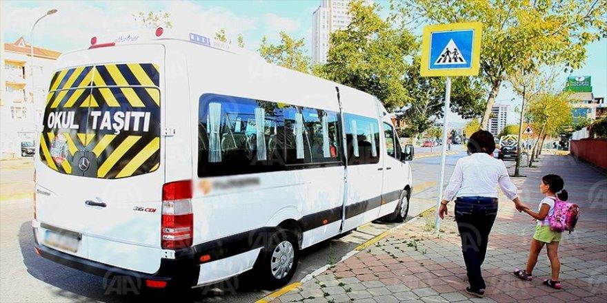 MEB'den okul servis araçlarına '15 dakika kuralı' getirildi