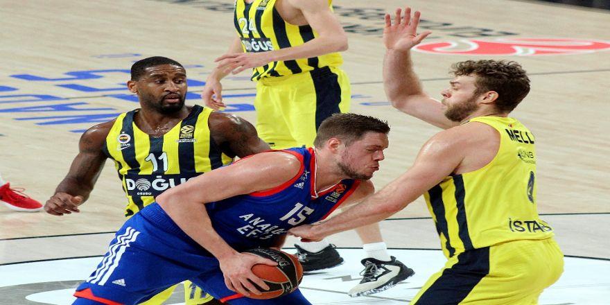 Euroleague'deki Türk derbisinde kazanan F.Bahçe