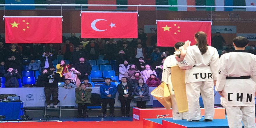 Çin'de altın kapanış