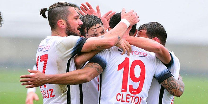 Ümraniyespor, Gaziantepspor'a gol yağdırdı