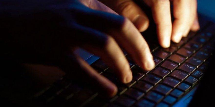 Sosyal medyadan terör propagandası yapan 18 kişi hakkında gözaltı kararı
