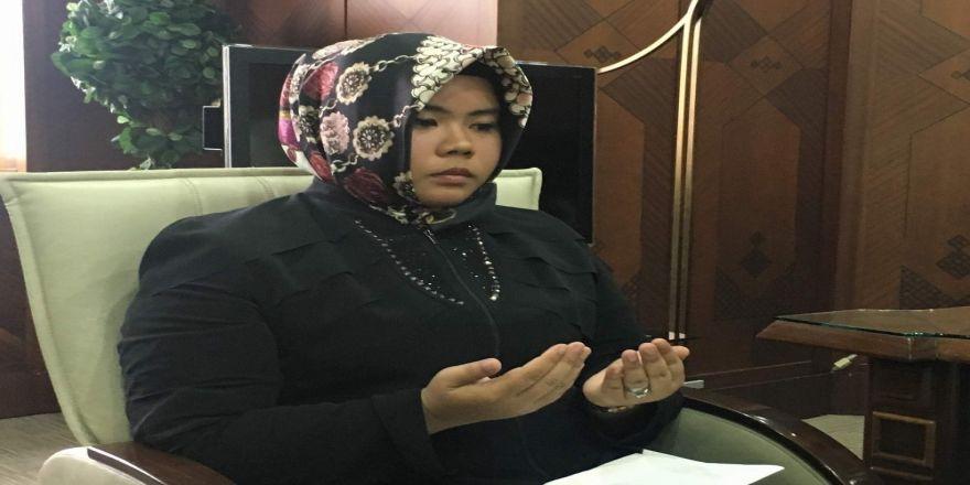 Taylandlı Chutikarn Mamang Müslüman olarak Büşra ismini aldı