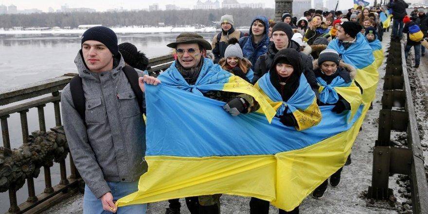 Ukrayna Birlik Gününü kutluyor