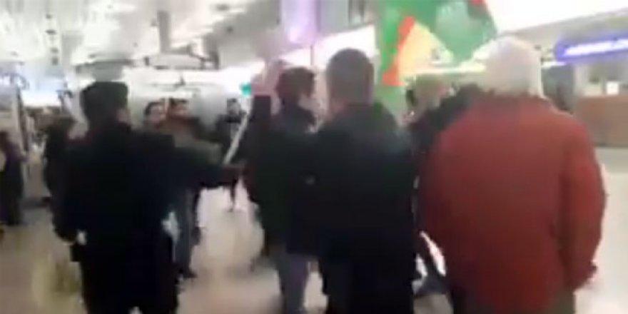 Terörist gruba vatandaşlardan tekme tokat dayak
