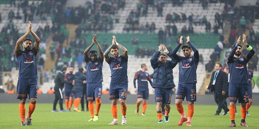 Başakşehir'den 'şampiyonlara' büyük üstünlük