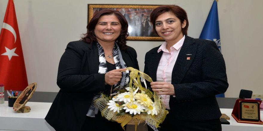 CHP Efeler Kadın Kollarından Başkan Çerçioğlu'na ziyaret