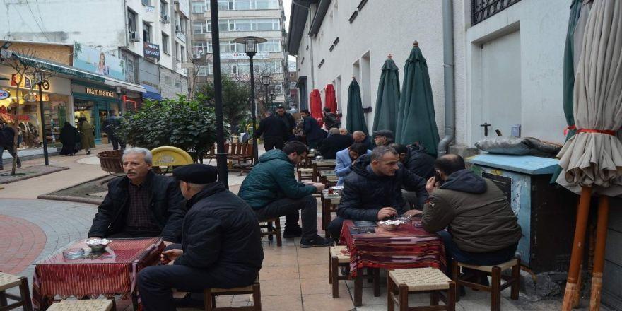 Trabzon'da bin 485 çay ocağı bulunuyor