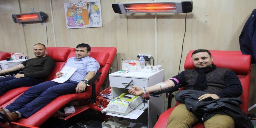 TÜGVA'dan Kızılay'a kan bağışı