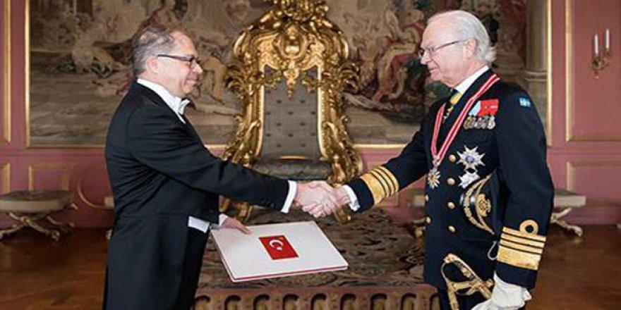 Büyükelçisi Yunt, İsveç Kralı'na güven mektubunu sundu
