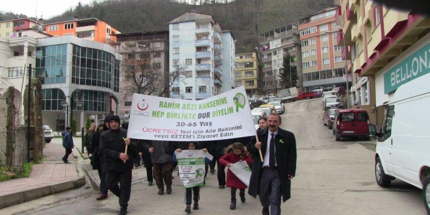 Kansere karşı yürüyüş düzenlendi