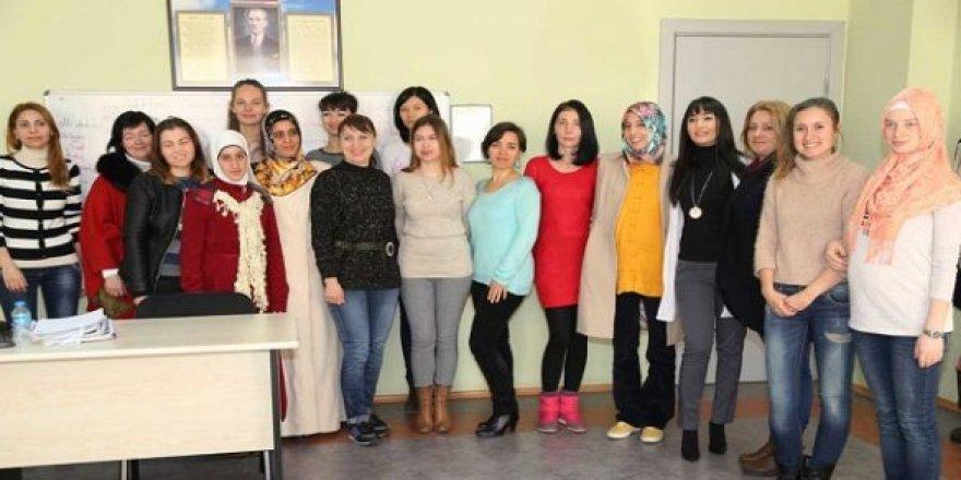 Yabancı gelinler Türkçe öğreniyor
