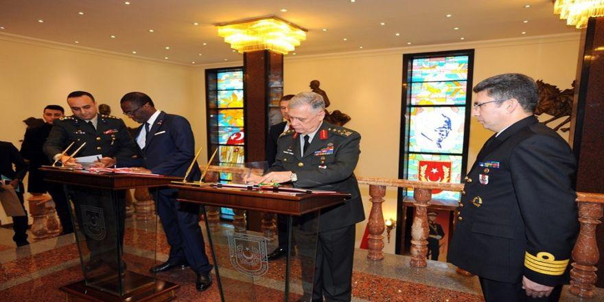 Türkiye ile Kamerun arasında askeri işbirliği