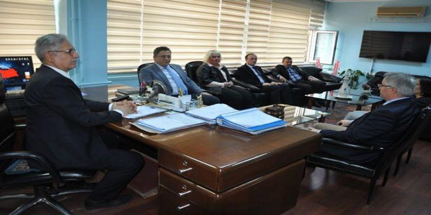 TSO Başkanı Yalçın Kaymakam Madenoğlu ve Başkan Uysal'ı ziyaret etti