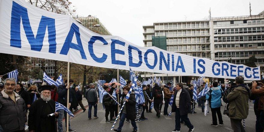 Atina'da Makedonya protestosu