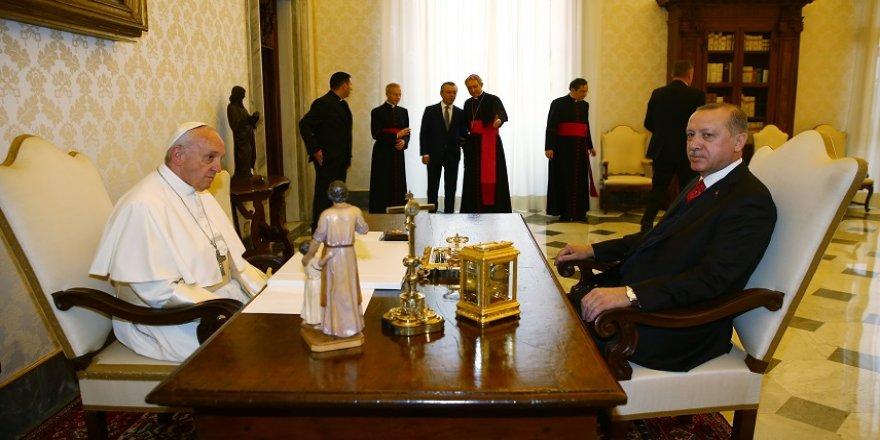 Erdoğan, Papa Francis görüşmesi sona erdi