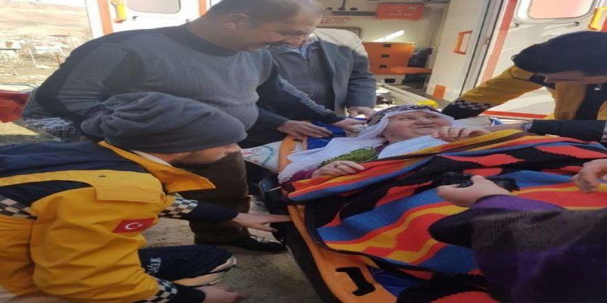 Vali Yıldırım'ın eşi obezite hastası kadını tedaviye aldırdı