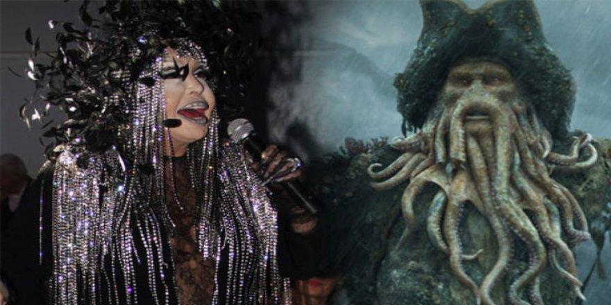 Bülent Ersoy'a, Davy Jones benzetmesi