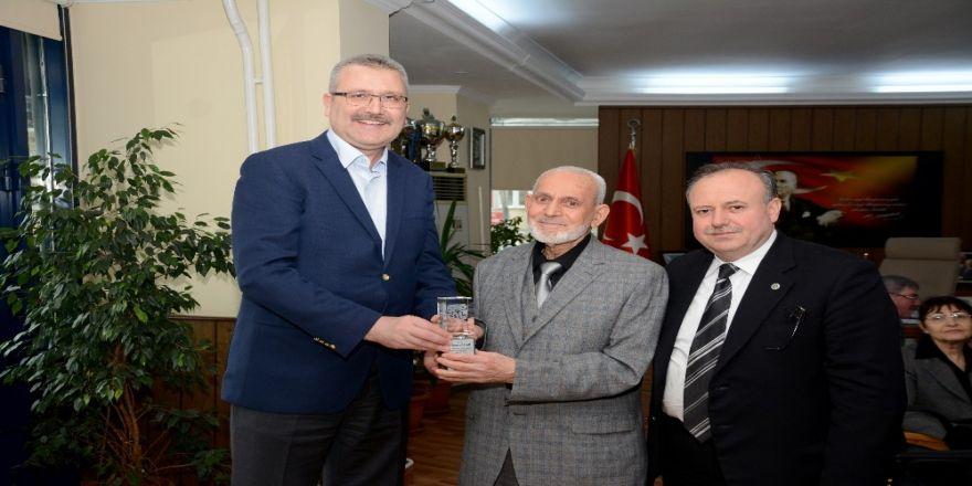 Terzilere Özkan'dan plaket