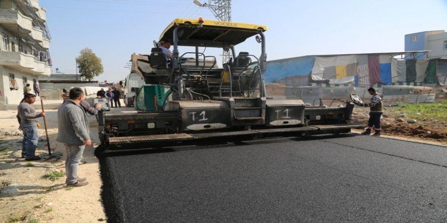 Yüreğir'de asfalt çalışması sürüyor