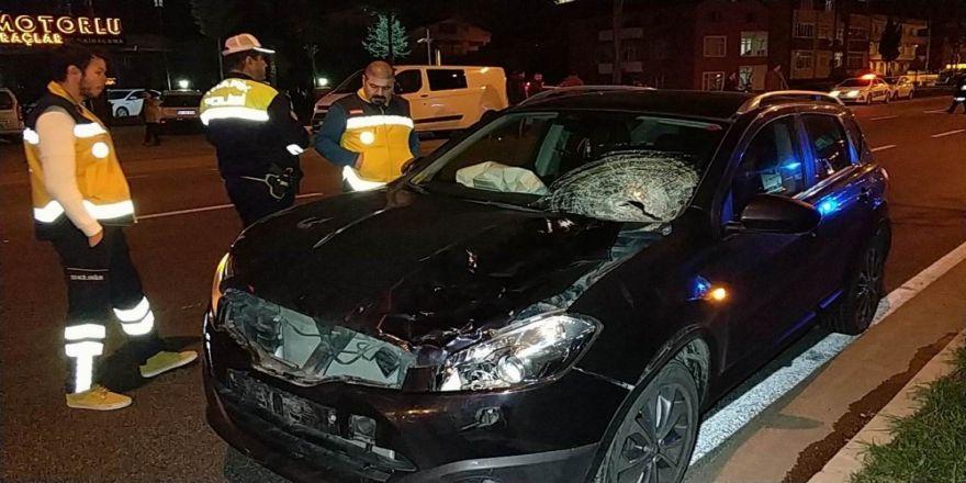 Yolun karşısına geçmek isterken kazada hayatını kaybetti