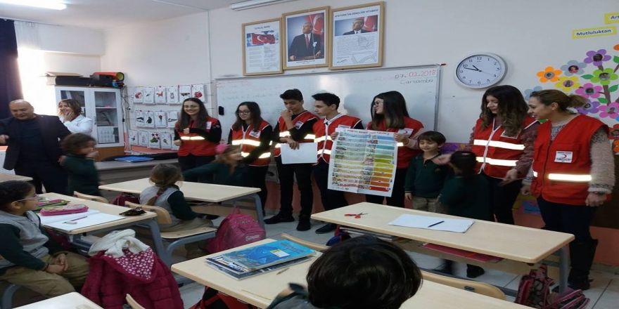 Okullara Güvenli Yaşam Sınıf Takvimleri dağıtıldı