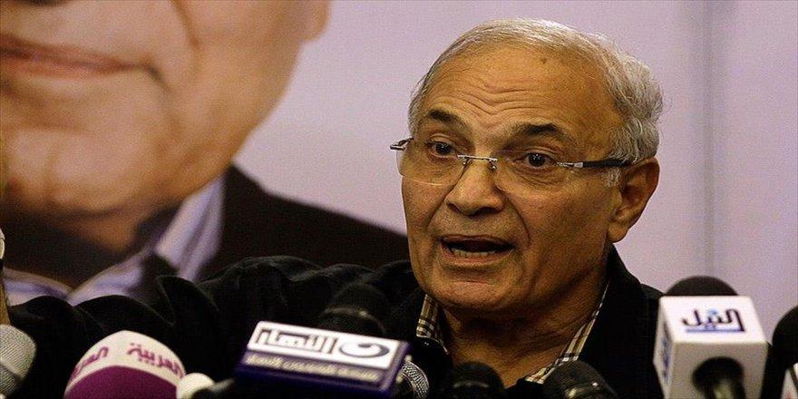 Mısır'da Şefik'in partisinden Sisi'ye destek