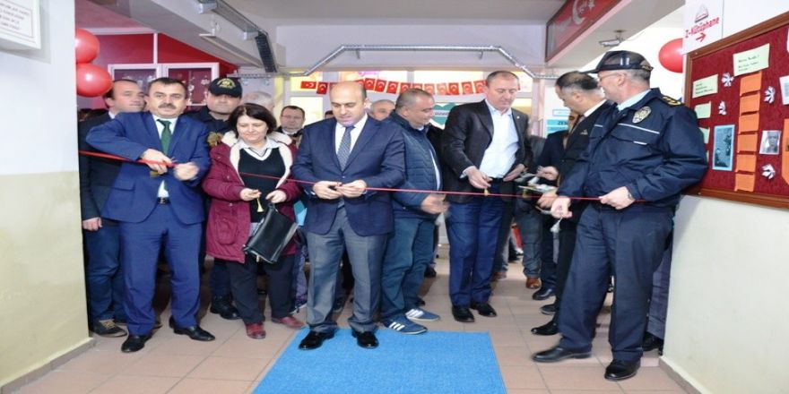 Şehit Polis Ercan Yaz adına kütüphane  açıldı