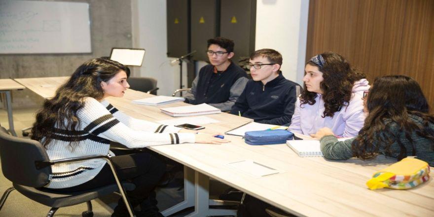 AGÜ'de Kültürlerarası İletişim ve Etkileşim Çalıştayı düzenlendi