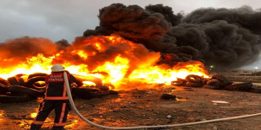 Lastik toplama alanında yangın