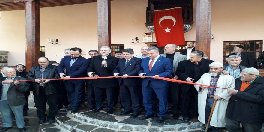 250 yıllık tarihi Paşa Camii ibadete açıldı