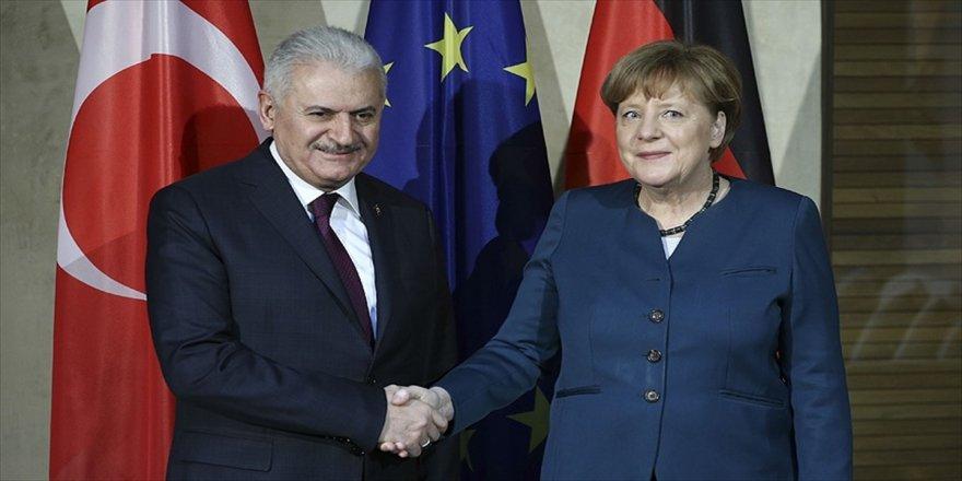 Başbakan Yıldırım, Merkel bir araya gelecek