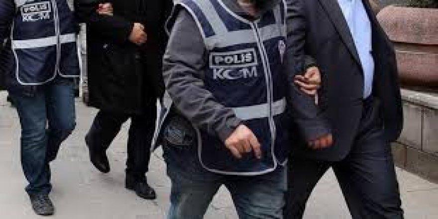 İhraç edilenlere FETÖ operasyonu: 8 gözaltı