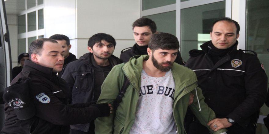 Kocaeli Üniversitesi'nde eyleme müdahale: 15 gözaltı