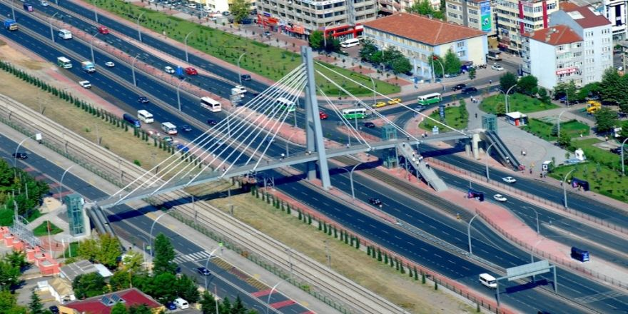 D-100'deki köprülere ilave merdiven ve asansör