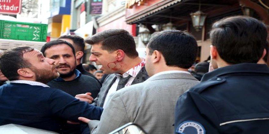 Şehrin göbeğinde dehşet: Taşlı sopalı kavga!