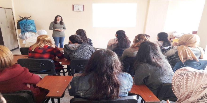 'Güvenli Annelik' semineri
