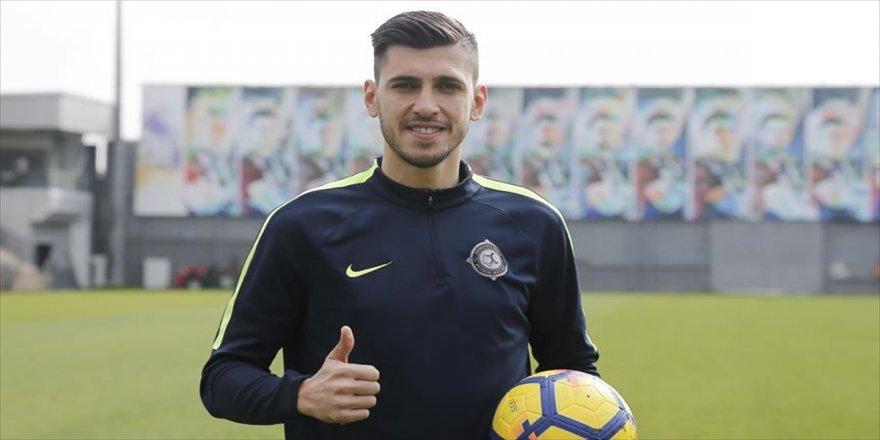 Osmanlıspor'un yeni transferi takımına güveniyor