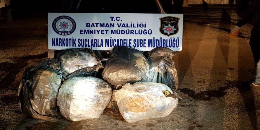 105 kilo esrarla yakalanan 2 kişi tutuklandı