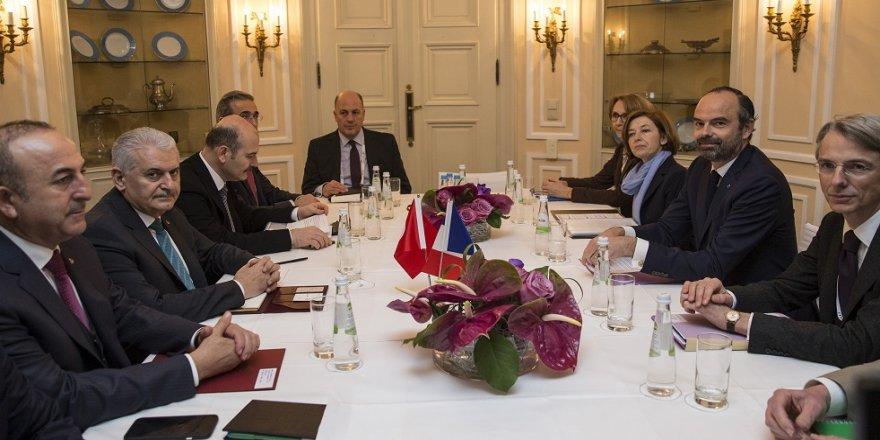 Başbakan Yıldırım, Fransasız mevkidaşı ile biraraya geldi