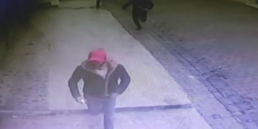 Doktora saldıran 3 kişi kameralara yakalandı