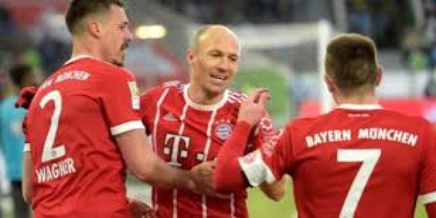 Bayern Münih son dakikada güldü!