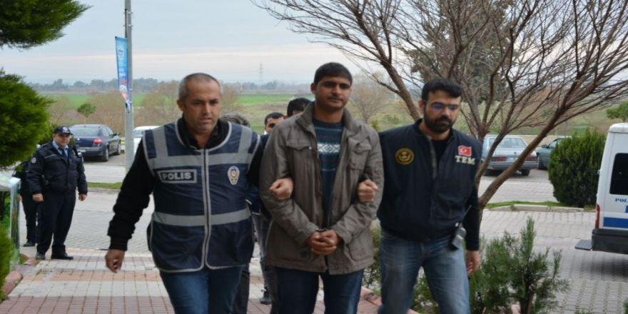 Afrin harekatı aleyhine propaganda yapanların evinde, öldürülen PKK'lıların fotoğrafları çıktı