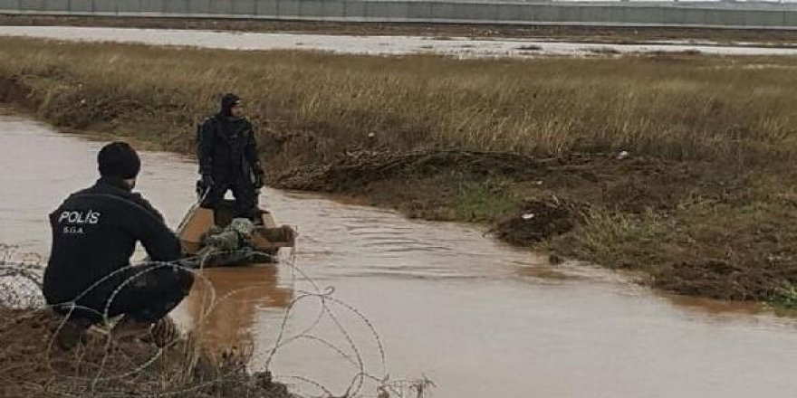 Zırhlı araç sele kapıldı: 2 asker kayıp !