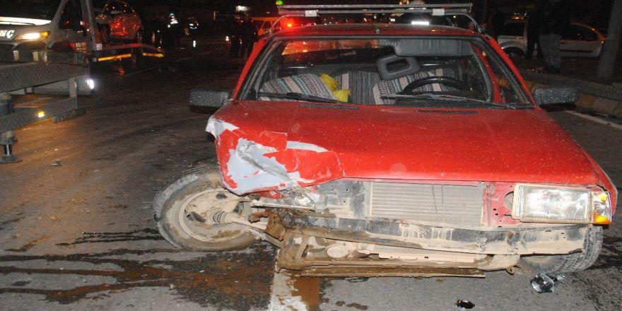 Kırmızı ışık ihlali sonucu kaza meydana geldi