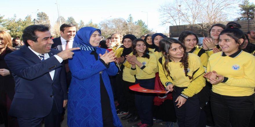Vali Güzeloğlu ADEM açılışına katıldı