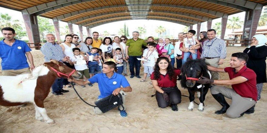 Çocukların gelişimine katkı için 'atla terapi'