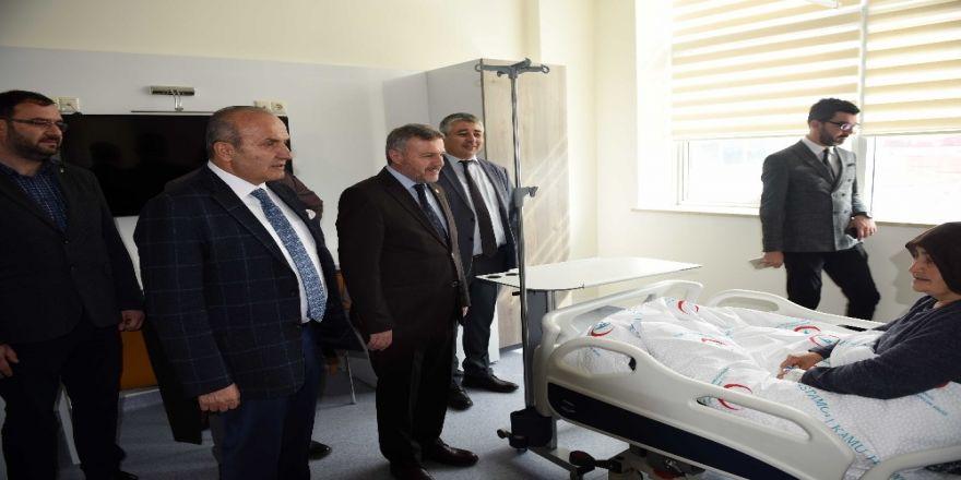 Çelik ve Başkan Arslan, yeni Taşköprü Devlet Hastanesi'ni ziyaret etti